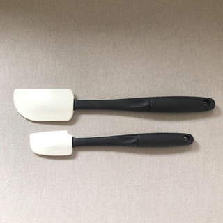 イセタン(伊勢丹)のヒョウカ様専用OXOスパチュラ&JCパンプス2点🍭(調理道具/製菓道具)