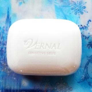 ヴァーナル(VERNAL)のヴァーナル ミニソープ センシィティブザイフ30g(洗顔料)