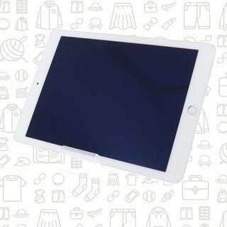 アイパッド(iPad)の【B】iPad Air2/64/docomo(タブレット)