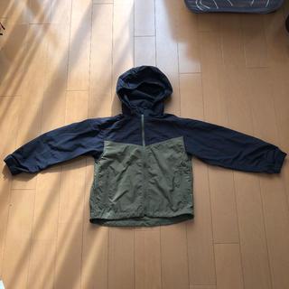 ジーユー(GU)のGU BOYS フード付ナイロンジップパーカー 130(ジャケット/上着)