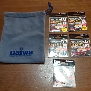 ガマカツ(がまかつ)の釣り針 DAIWAポーチセット(ルアー用品)