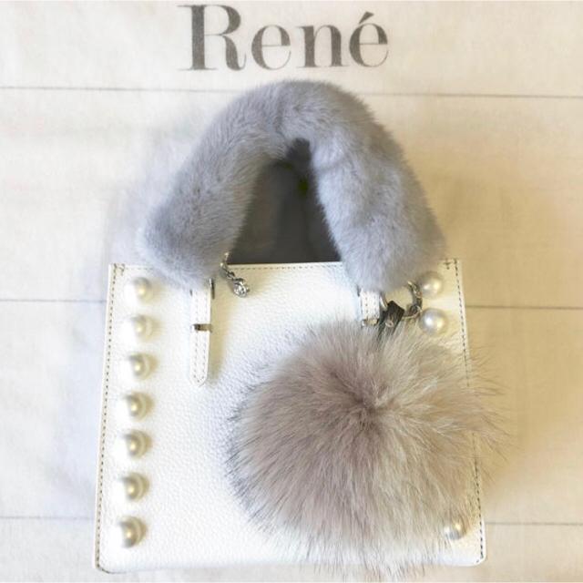 René(ルネ)のRene ルネ ミンクカメリアハンドルカバー2枚 ライトグレー ファー レディースのレディース その他(その他)の商品写真