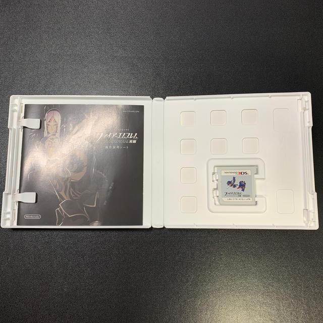ニンテンドー3DS(ニンテンドー3DS)のファイアーエムブレム 覚醒 3DS エンタメ/ホビーのゲームソフト/ゲーム機本体(携帯用ゲームソフト)の商品写真