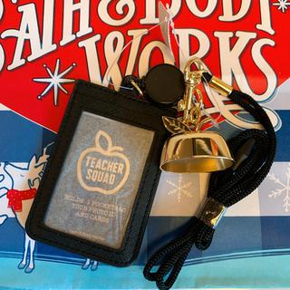 バスアンドボディーワークス(Bath & Body Works)の【新品】バスアンドボディワークス ジェル ホルダー カードホルダー(キーホルダー)