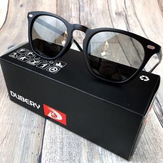 調光偏光サングラス ライトグレー ウエリント ボストン 偏光レンズ(サングラス/メガネ)