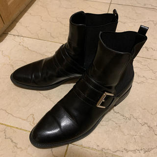 ザラ(ZARA)のZARA ベルト付きショートブーツ サイドゴアブーツ ブラック(ブーツ)
