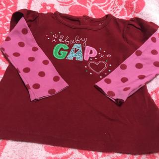 Gap  赤Tシャツ