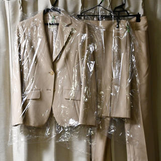 kumikyoku(組曲) - 【クリーニング済・美品】組曲 パンツ スカートスーツ 白
