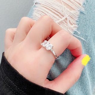 大粒✨ジルコニア✨指輪🌈アレルギー対応✨エレガント✨重ね付け✨キラキラ(リング(指輪))