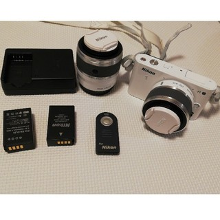 Nikon - Nikonミラーレス一眼J1【ズームレンズ2本、リモコン、新品予備バッテリー】