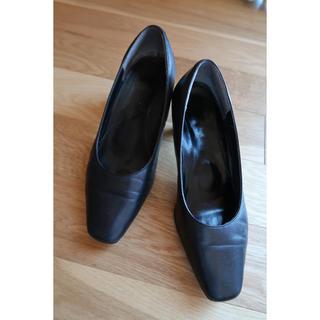 ダンスコ(dansko)のマルイで購入 立ち仕事が多い方に最適 脚が疲れにくい設計(ハイヒール/パンプス)