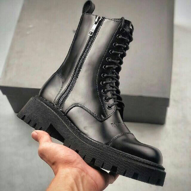 Balenciaga(バレンシアガ)の Balenciaga マーティンブーツ レディースの靴/シューズ(ブーツ)の商品写真