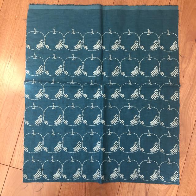 mina perhonen(ミナペルホネン)のミナペルホネン mela はぎれ ブルー ハンドメイドの素材/材料(生地/糸)の商品写真