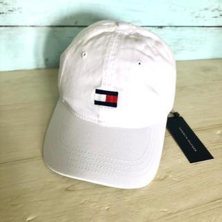 TOMMY HILFIGER - トミーヒルフィガー 白 フラッグ ロゴ キャップ 帽子 野球帽  ブランド 新品