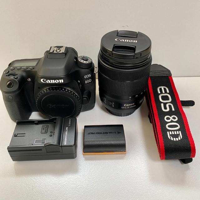 Canon(キヤノン)のCanon EOS80D  EF-S18-135mm IS USM レンズキット スマホ/家電/カメラのカメラ(デジタル一眼)の商品写真