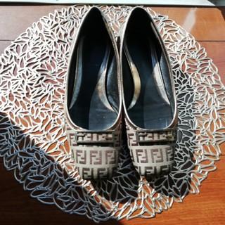 フェンディ(FENDI)のフェンディ:ローファー(ローファー/革靴)