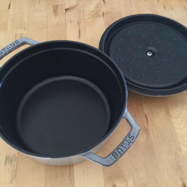 STAUB(ストウブ)のストウブ 18cm インテリア/住まい/日用品のキッチン/食器(鍋/フライパン)の商品写真