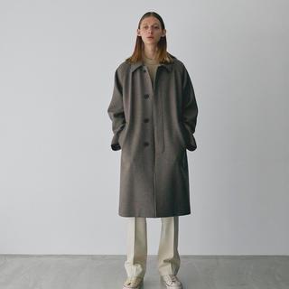 COMOLI - HERILL(ヘリル)Black sheep balmacaan coat