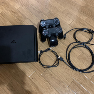 PlayStation4 - PS4 CUH2100 本体ブラック コントローラー2個、充電器付き