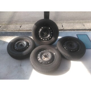 グッドイヤー(Goodyear)のムーブラテ スタッドレス鉄ホイール付4本セット 145/80R/13(タイヤ・ホイールセット)