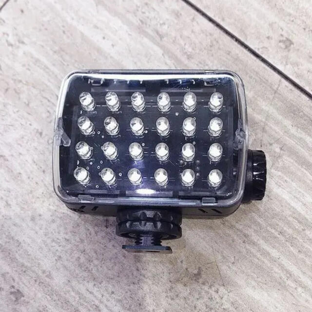 Manfrotto(マンフロット)のマンフロット LEDライト ML240 スマホ/家電/カメラのカメラ(その他)の商品写真