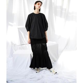 ENFOLD - 新品 ENFOLD ライトダブルサテン シャーリングティアードスカート