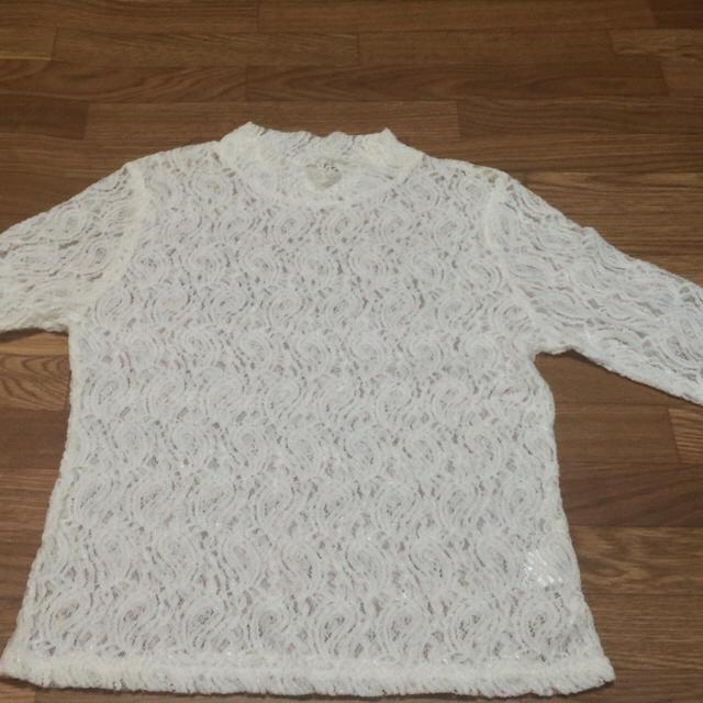 GU(ジーユー)のレース ハイネックトップス レディースのトップス(Tシャツ(長袖/七分))の商品写真