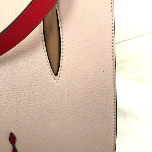 Christian Louboutin(クリスチャンルブタン)のChristian Louboutin パロマ スモール ピンク 2way レディースのバッグ(ハンドバッグ)の商品写真