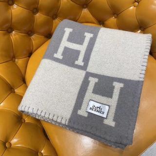 エルメス(Hermes)の大人気  Avalon ブランケット H柄 毛布(毛布)