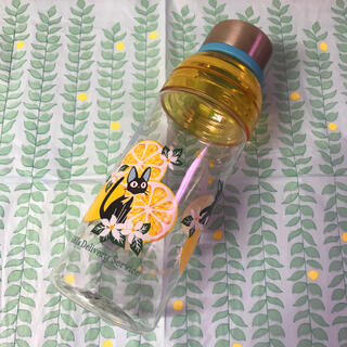 ジブリ - 魔女の宅急便/タンブラー/ジジ/可愛いレモンイエロー