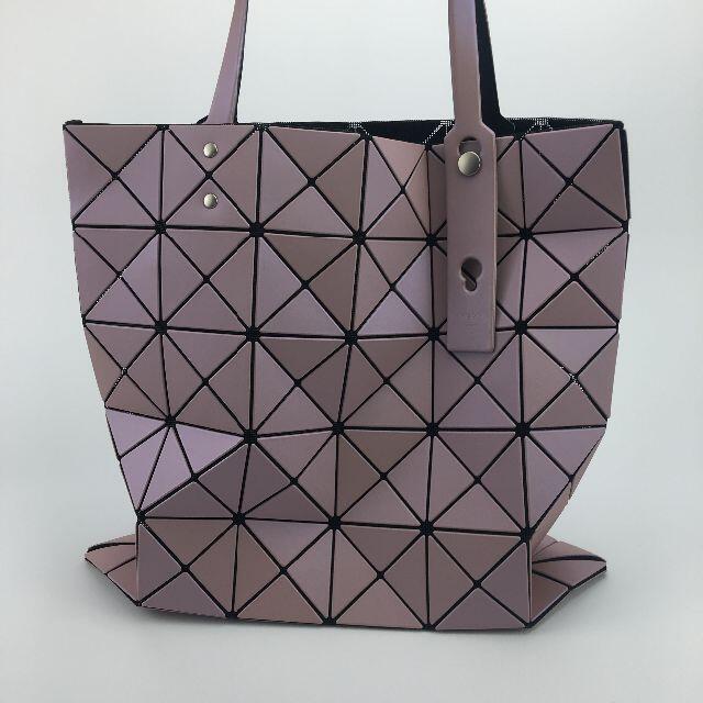 ISSEY MIYAKE(イッセイミヤケ)のBAOBAO ISSEY MIYAKE バオバオ バック  ピンク レディースのバッグ(トートバッグ)の商品写真