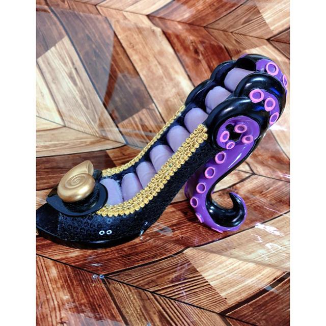 Disney(ディズニー)のディズニー ヴィランズ アースラ リングスタンド エンタメ/ホビーのおもちゃ/ぬいぐるみ(キャラクターグッズ)の商品写真