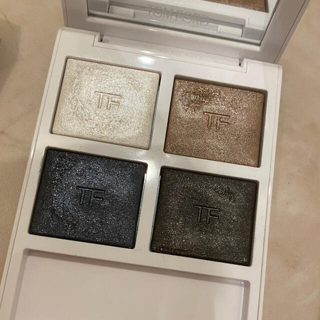 TOM FORD(トムフォード)のトムフォード アイシャドウ ソレイユ アイカラー クォード ソレイユネージュ コスメ/美容のベースメイク/化粧品(アイシャドウ)の商品写真