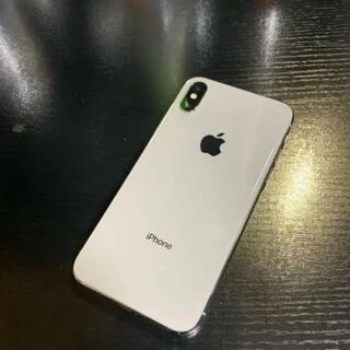 アイフォーン(iPhone)のiPhone X 本体(充電器付) 64GB シルバー(SIMロック解除済)(スマートフォン本体)