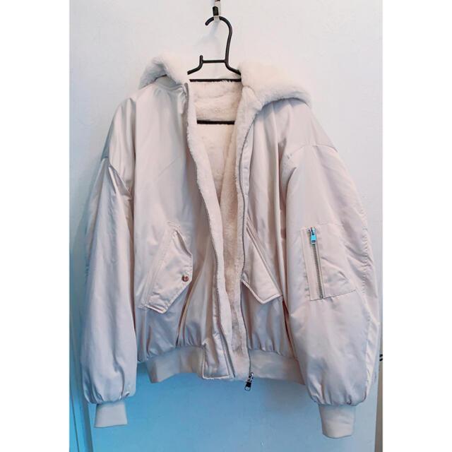 ZARA(ザラ)のZARA リバーシブル ボンバージャケット レディースのジャケット/アウター(毛皮/ファーコート)の商品写真