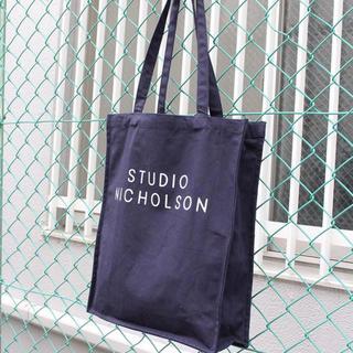 1LDK SELECT - 大 スタジオニコルソン トートバック ネイビー
