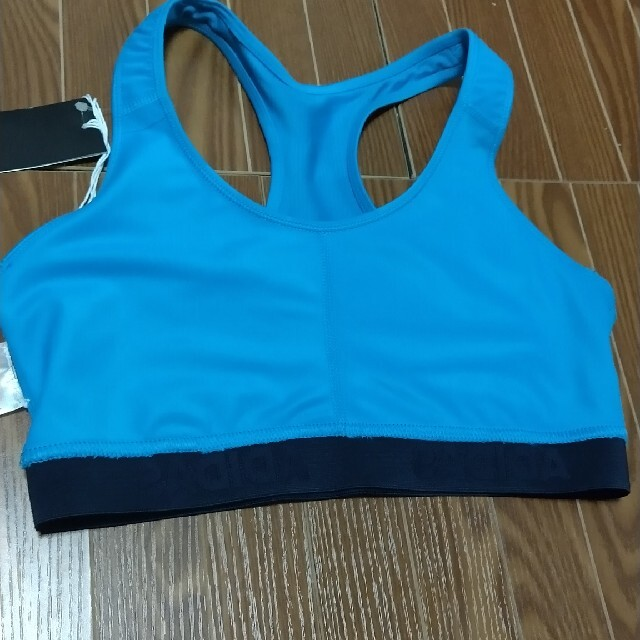 adidas(アディダス)の(8)adidasスポーツブラ Lサイズ ブルー×黒 スポーツ/アウトドアのトレーニング/エクササイズ(トレーニング用品)の商品写真