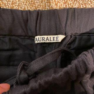 コモリ(COMOLI)のAURALEE 17aw ウールカルゼイージースラックス サイズ4(スラックス)