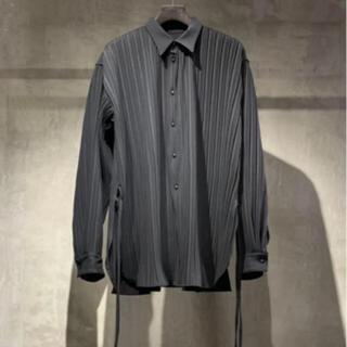 ワンエルディーケーセレクト(1LDK SELECT)のtoironier トワロニエ  プリーツシャツ ブラック(シャツ)