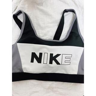 NIKE - ナイキ スポーツブラ