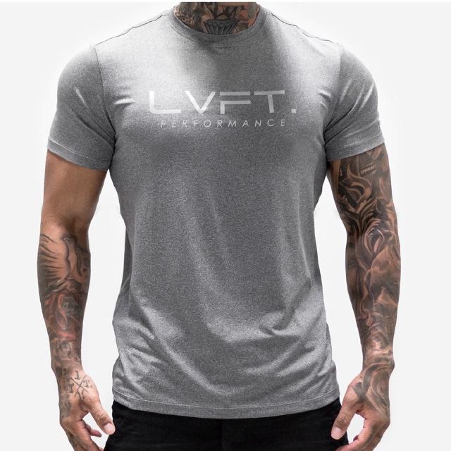 adidas(アディダス)の最終価格★新品未使用★大人気★LVFT Tシャツ★Mサイズ★ ジム着などに♪ メンズのトップス(Tシャツ/カットソー(半袖/袖なし))の商品写真