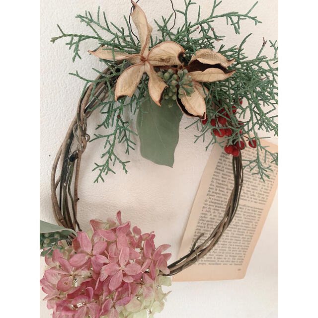 ドライフラワー 綿殻にブルーアイスと秋色ミナヅキのシンプルリース ハンドメイドのフラワー/ガーデン(リース)の商品写真