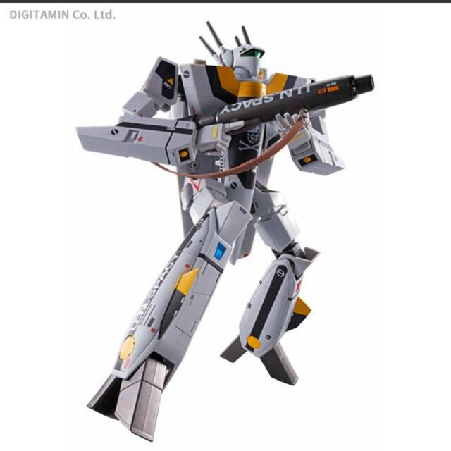macros(マクロス)のDX超合金 初回限定版VF-1S バルキリー ロイ・フォッカースペシャル エンタメ/ホビーのおもちゃ/ぬいぐるみ(模型/プラモデル)の商品写真