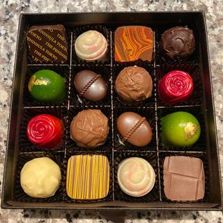 ザ ペニンシュラ 東京 チョコレート トリュフ チョコレート 16個