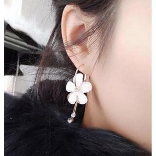 新品★お花が可愛いフープピアス(左右セット)