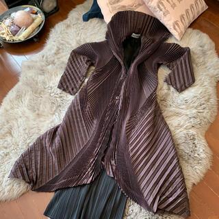 ISSEY MIYAKE - イッセイミヤケ コレクションライン スチームストレッチ 3D ロングコート 美品