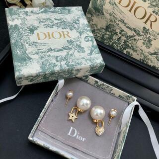 Dior - ディオール Dior  ピアス ❤⭐
