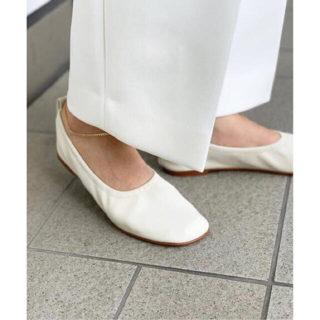 DEUXIEME CLASSE(ドゥーズィエムクラス)の最終価格★今期完売品 MOHI ギャザーバレエシューズ 靴 37 レディースの靴/シューズ(バレエシューズ)の商品写真
