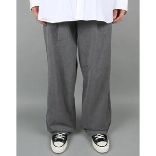 コモリ(COMOLI)のグラフペーパー Colorfast Denim Two Tuck Pants(デニム/ジーンズ)