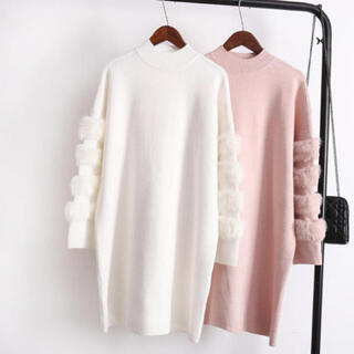 ルシェルブルー(LE CIEL BLEU)のファーデザインミディアム丈セーター ニット(ホワイト)(ニット/セーター)